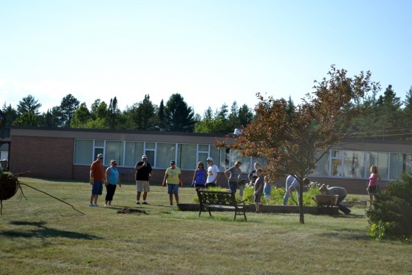 Gwinn Comunity Members Help Clean Up Gilbert Elementary School