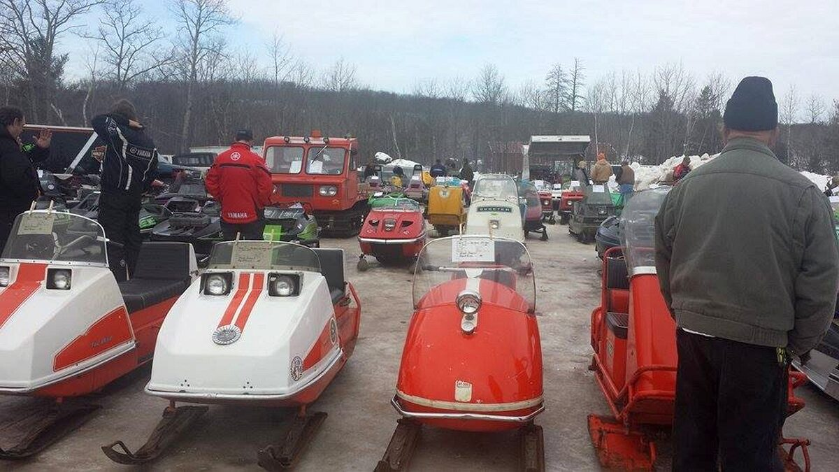 Antique_and_Vintage_Snowmoble_Show_022716_02