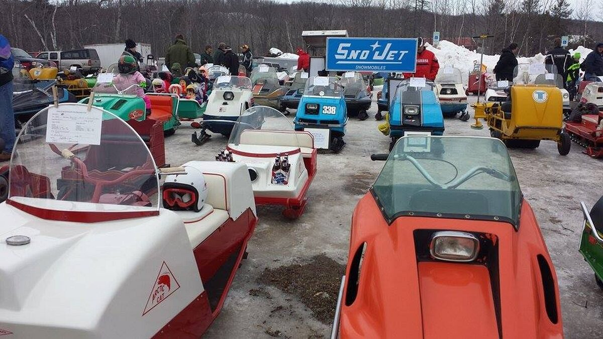 Antique_and_Vintage_Snowmoble_Show_022716_03