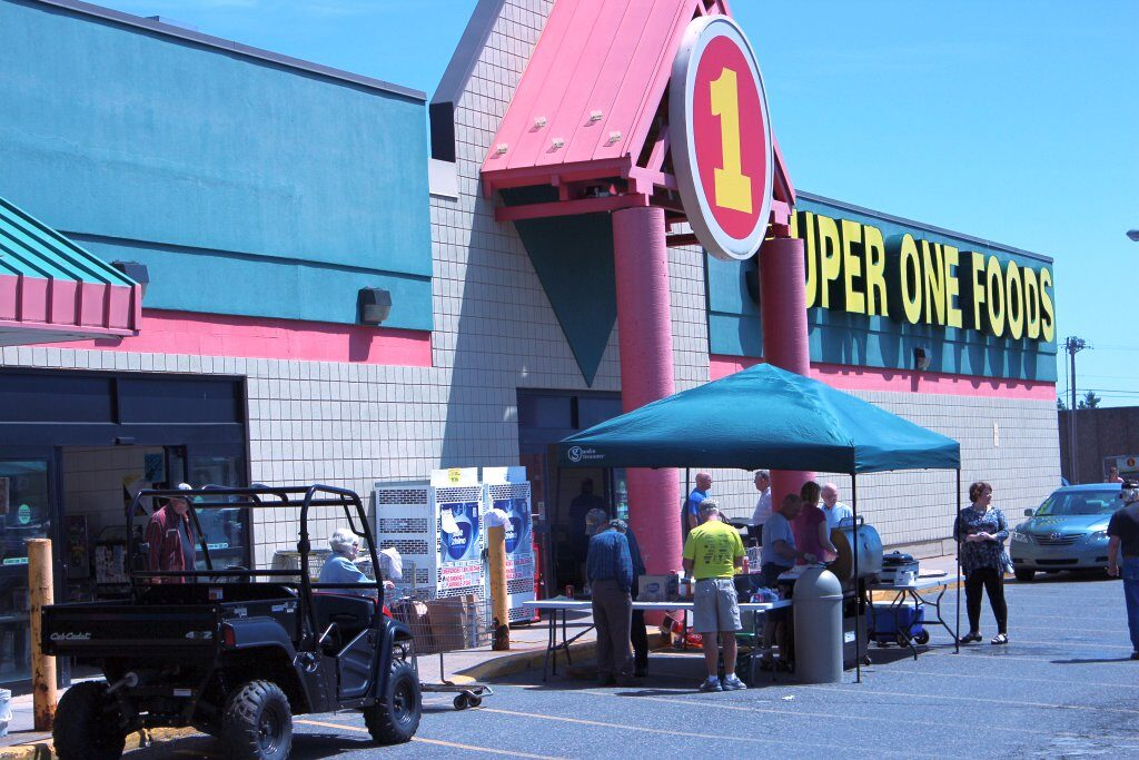 Super One Foods Store and Cookout