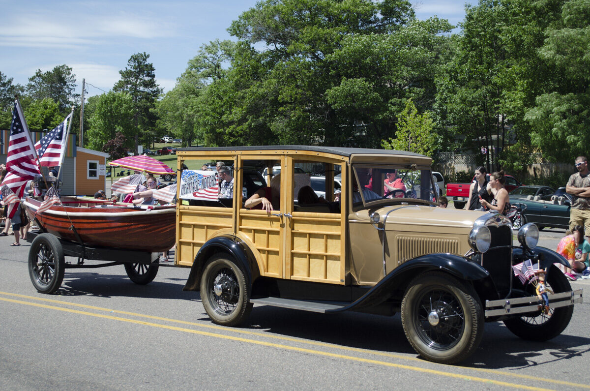 2016-Marquette-Fourth-of-July-Parade-Great-Lakes-Radio_39