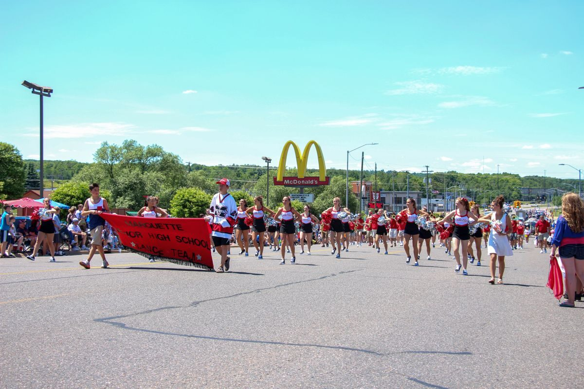2016-Marquette-Fourth-of-July-Parade-Great-Lakes-Radio_72