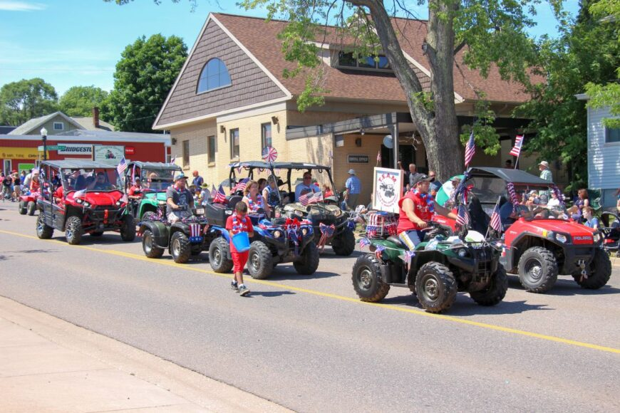 2016-Marquette-Fourth-of-July-Parade-Great-Lakes-Radio_99