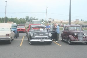 People loved to see the cars.