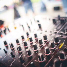 black-and-gray-audio-mixer-225226