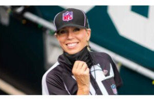 NFL-Ref-Sarah-Thomas-Gives-Talk-thru-NMUs-Platform-Personalities-300×193