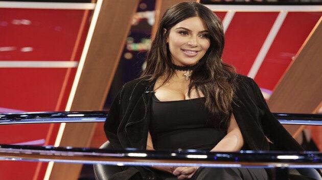 E_Kim_Kardashian_122010